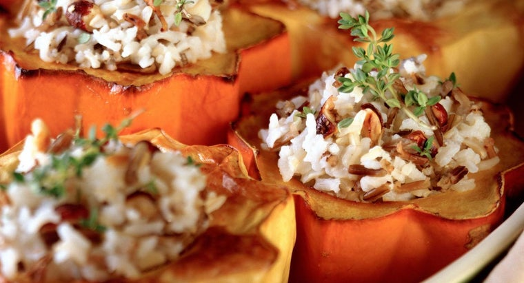 What Are Some Ways to Cook Acorn Squash?