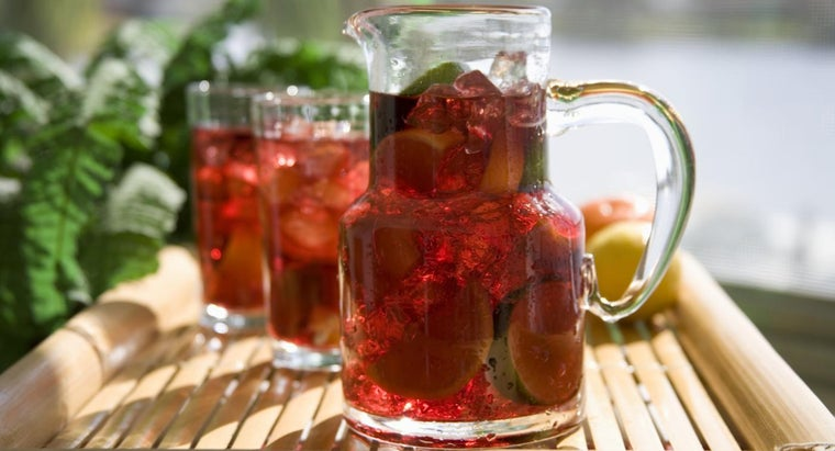 What Is a Simple Red Wine Sangria Recipe?
