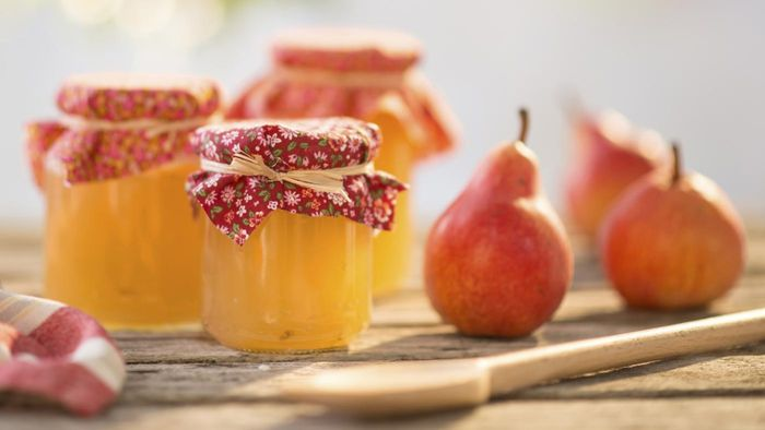 What Are Some Recipes for Homemade Pear Jelly?