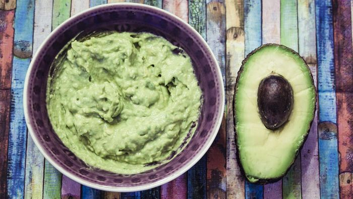 What Is an Easy Recipe for Guacamole Dip?