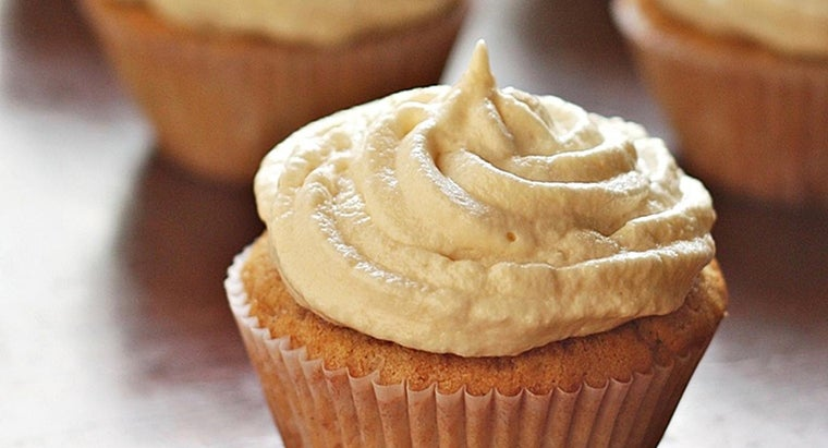 What Is a Recipe for Homemade Vanilla Cupcakes?