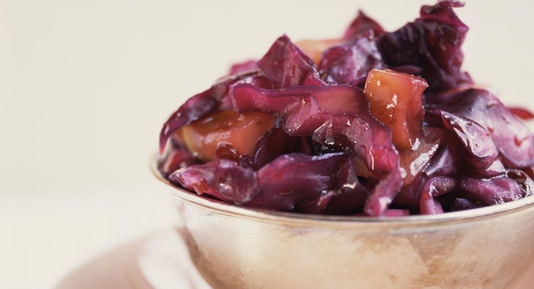 How Do You Make Polish Sweet and Sour Cabbage?