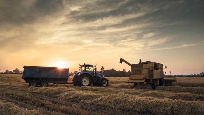 What Is a TractorHouse Equipment Trader?