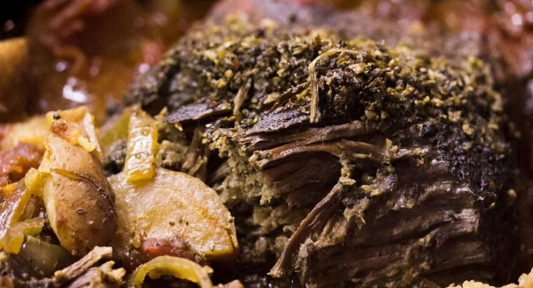 What Is a Recipe for Making Pot Roast With Onion Soup Mix?