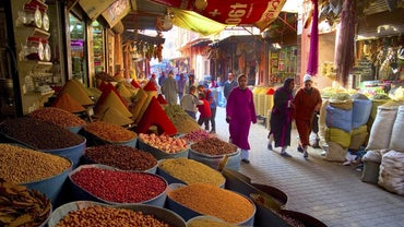 What Are Some Important Travel Tips to Know Before Traveling to Morocco?