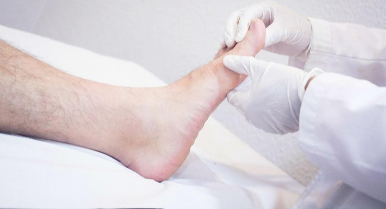 What Are the Health Risks Involved in Swollen Feet?