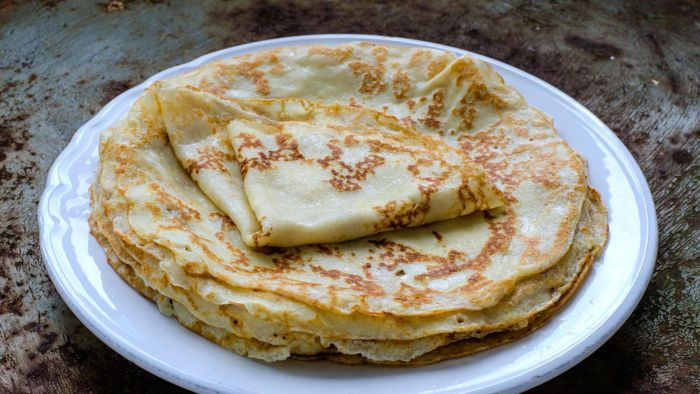 What Is an Easy Recipe for Making Crepes?