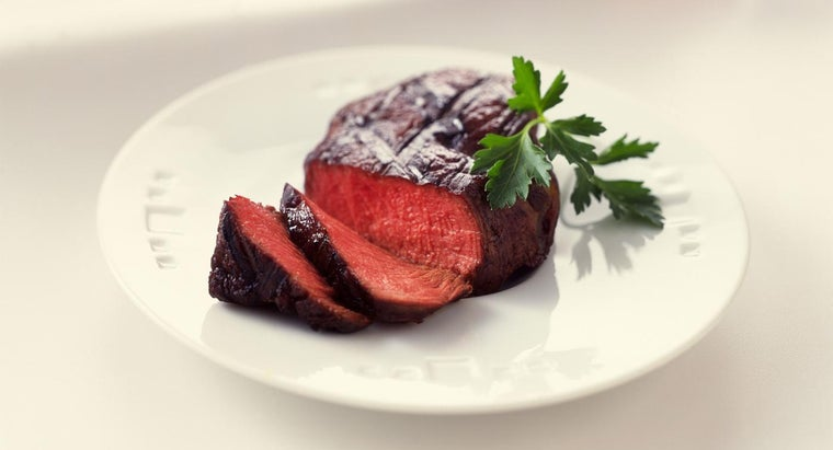What Is the Temperature to Cook a Medium Rare Steak?
