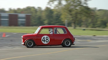 What Are Some Different Types of Mini Rally Cars?