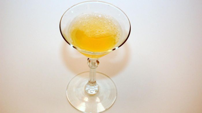 What Is a Good Lemon Drop Cocktail Recipe?