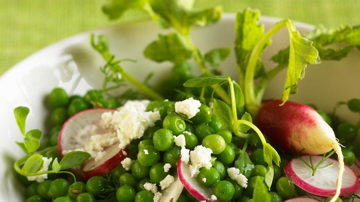 What is a simple recipe for pea salad?