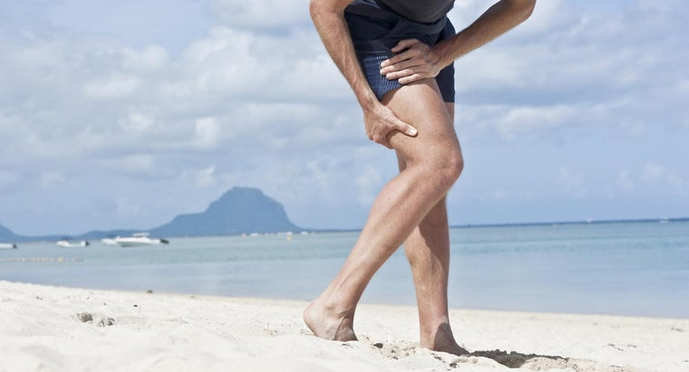 What Are Some Symptoms of a Torn Hamstring?