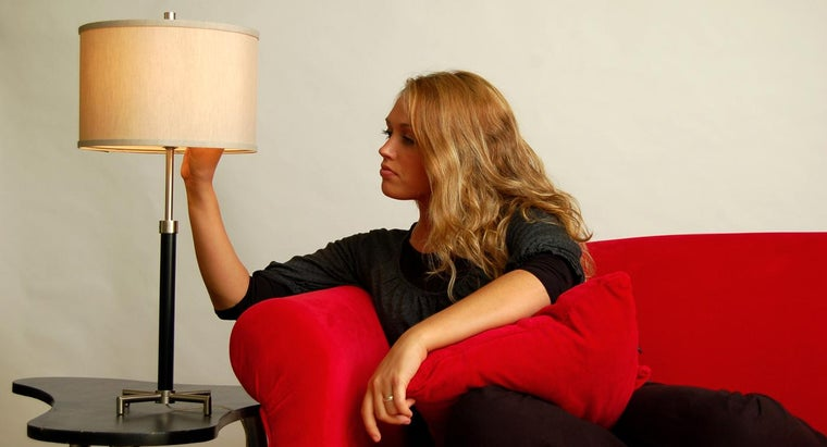 How Do You Choose a Mini Table Lamp to Accent Your Room?