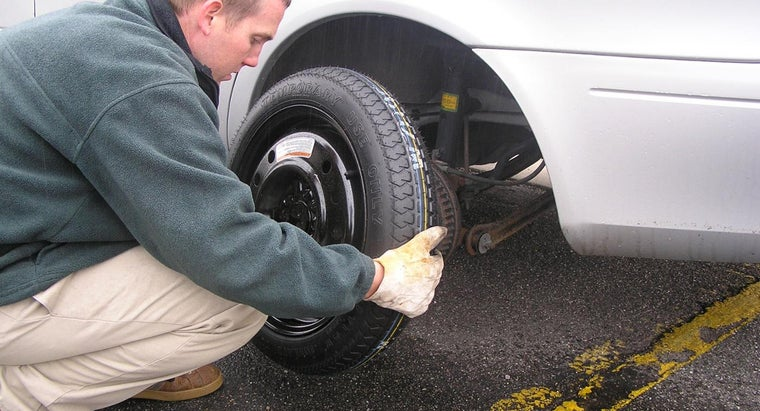 What's the Procedure to Remove Wheels From a Vehicle?