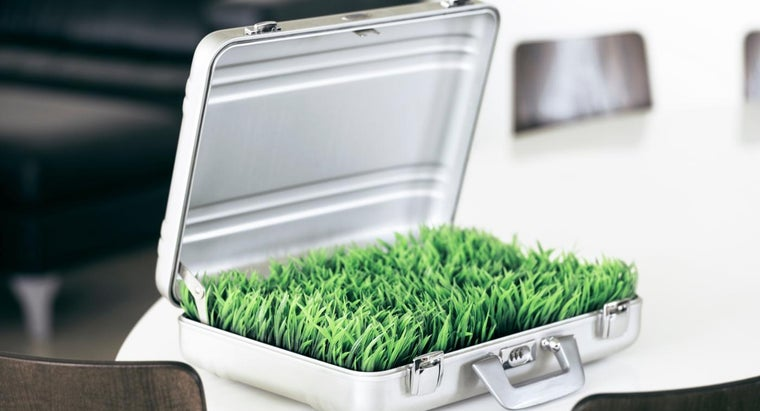 What Are the Benefits of Using an Aluminum Case?