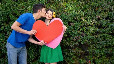 What Are Some Easy Valentine's Day Crafting Projects?