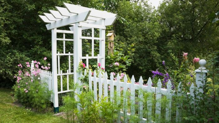 How Do You Design an Outdoor Arbor?