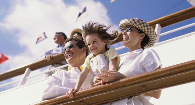 Can Kids Go on Cruises With Parents for Free?
