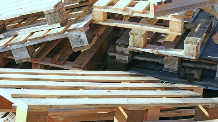 How Do You Take Apart a Pallet to Use the Wood?