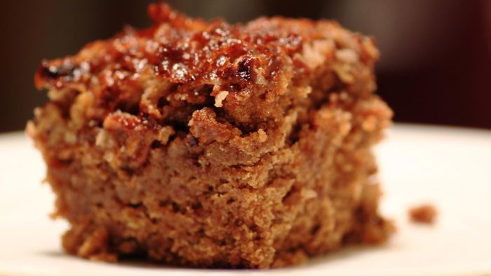 How Do You Make an Old-Fashioned Oatmeal Cake?
