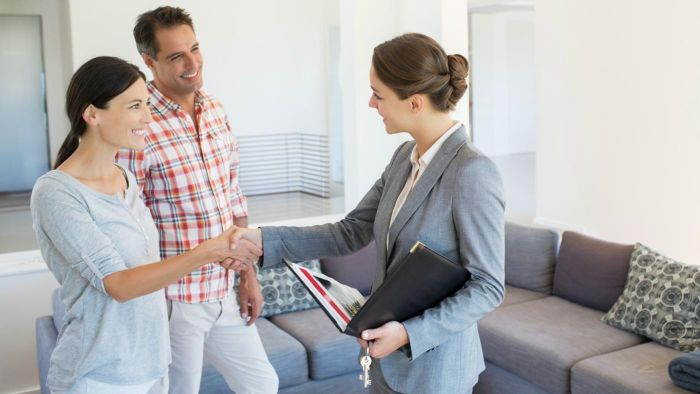 How Is an FHA Loan Different Than a Conventional Loan?