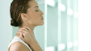 Which Is the Best Treatment for a Stiff Neck?
