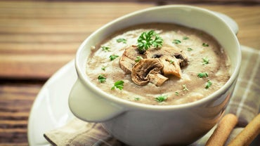 How Do You Make Easy Mushroom Soup?