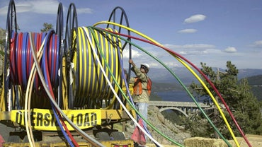 How Do You Repair Broken Fiber Optic Cable?