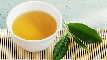 What Are the Ingredients in Moringa Tea?