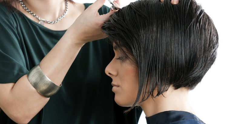 How Can You Use Your Photo to See How a Pixie Cut Will Look?