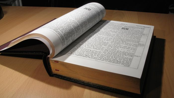 Who Publishes the King James Bible in Large Print?