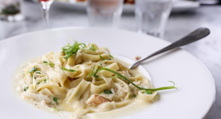 What Is a Good Recipe for Alfredo Sauce?