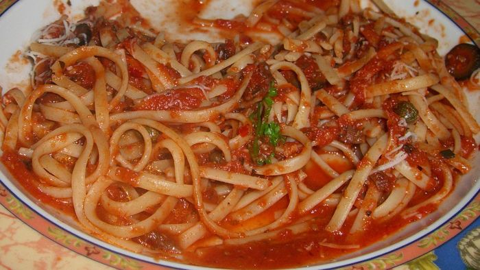 How Do You Make Spaghetti Sauce From Scratch?