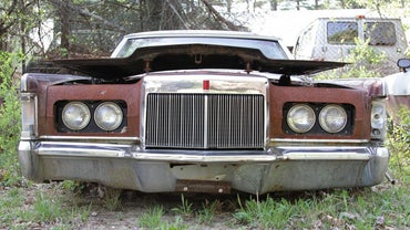 How Do Junkyards Determine How Much to Pay for Spare Car Parts?