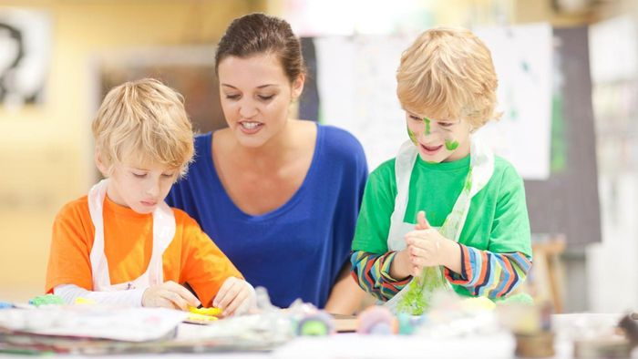What Qualifications Are Needed to Be a Teacher's Assistant?