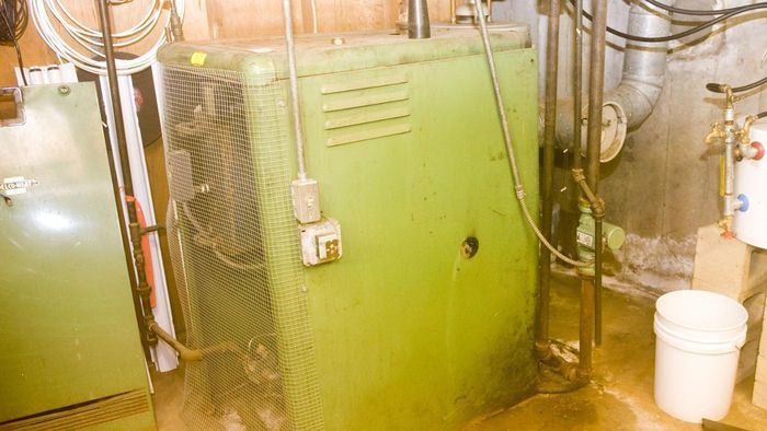 How Do You Repair a Gas Furnace That Won't Start?