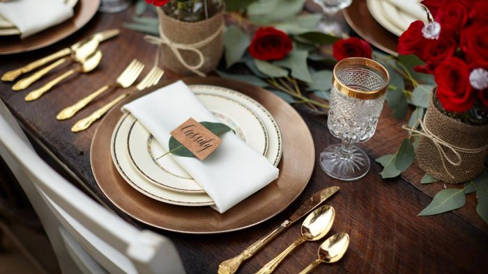 What Is the Proper Table Setting for Silverware? | Reference.com