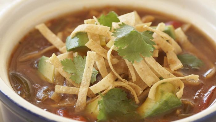 What Is an Easy Tortilla Soup Recipe?
