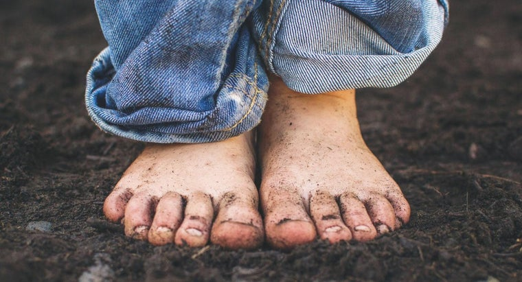 How Do You Start a Fungus Infection Treatment on Your Foot?