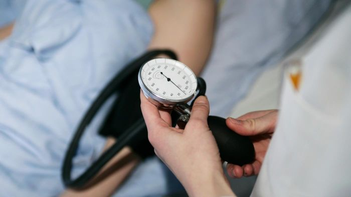 What Are Symptoms of Low Blood Pressure?