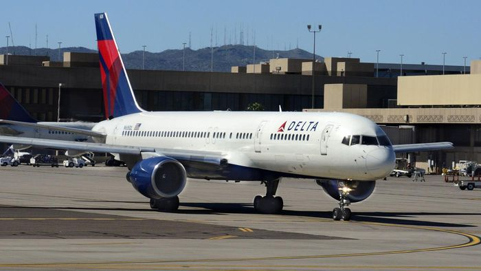 Who publishes a Delta Boeing 757 seating plan?