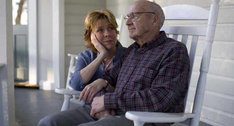 What Are Symptoms of the Late Stages of Alzheimer's Disease?