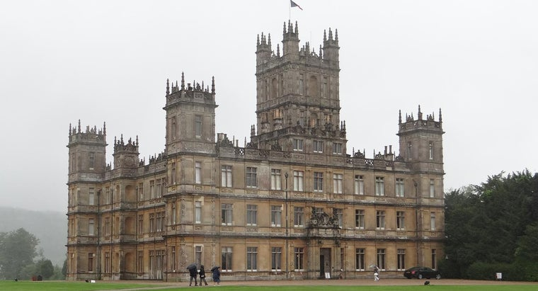 """Is the Viewing Schedule for """"Downton Abbey"""" Available Online?"""