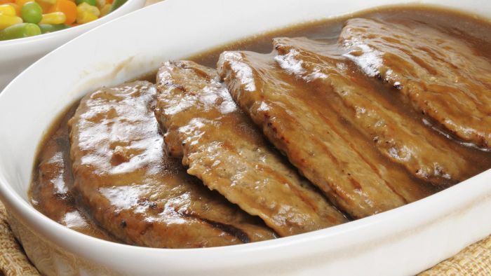 What Are Some Simple Salisbury Steak Recipes?