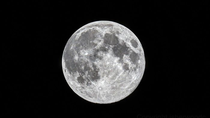 What Time of Year Does a Full Moon Occur?