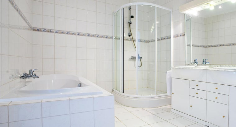 What Are Some Tips for Cleaning White Bathroom Tile?