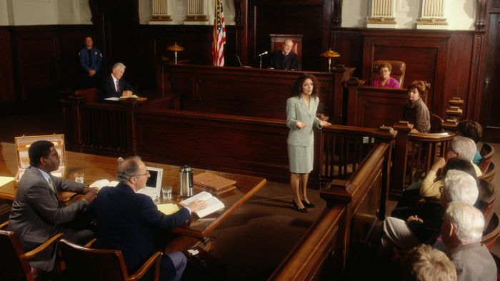 How Do You Become a Court Reporter?