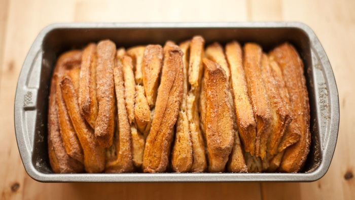 What are some simple cinnamon bread recipes?
