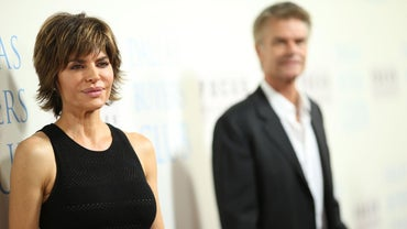 What Are Some Ways Lisa Rinna Has Styled Her Hair?