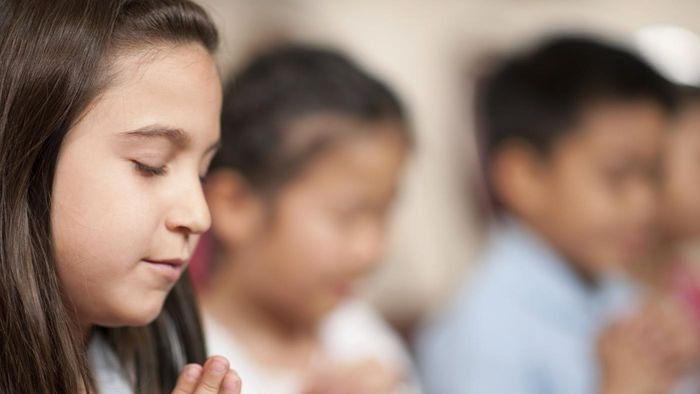 Where Can You Find Sample Prayers That Are Right for a Youth Meeting?